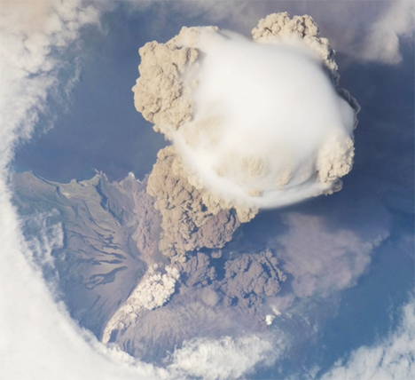 Massive Volcanic Eruption Seen From Space Station ...