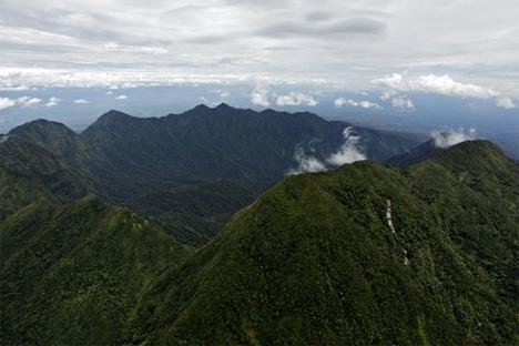 mount bosavi crater in papua new guinea