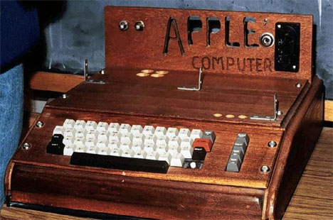 History Hits the Auction Block: Original Apple I Up For ...