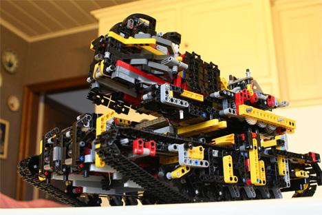 Blocks Away Fully Functional Brick Hurling Lego Tank