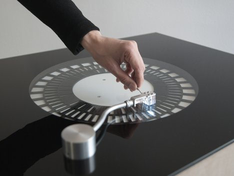 Cool Needle Free Optical Turntables Light Up Dance Floors