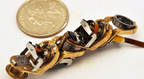 world's smallest chain robot