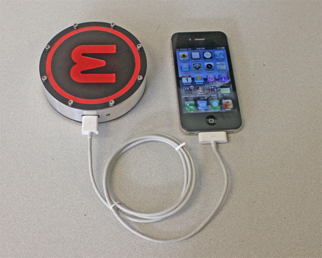 onE Puck charger