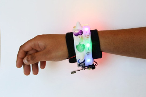 odor emitting wristband