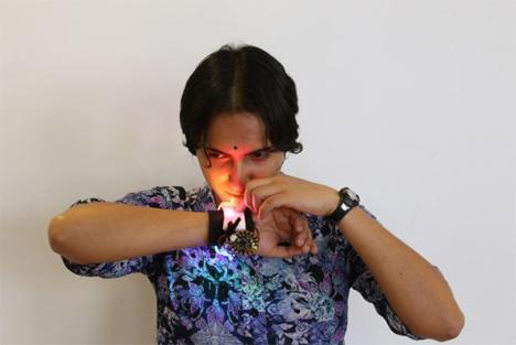 senti8 odor releasing wristband