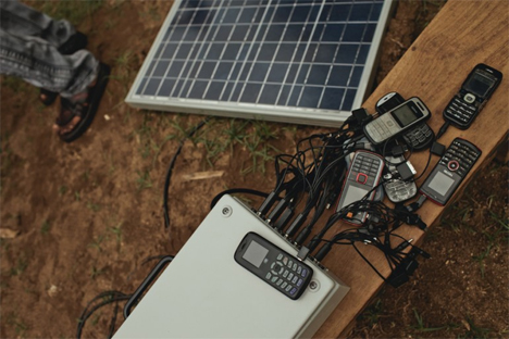 buffalogrid solar powered cell phone chargers