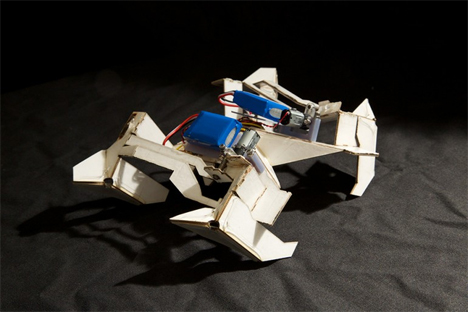 MIT and Harvard self-assembling robots