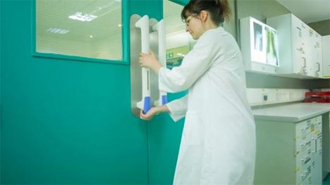 pullclean sanitizing door handle