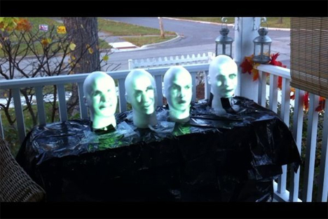 creepy singing heads halloween display