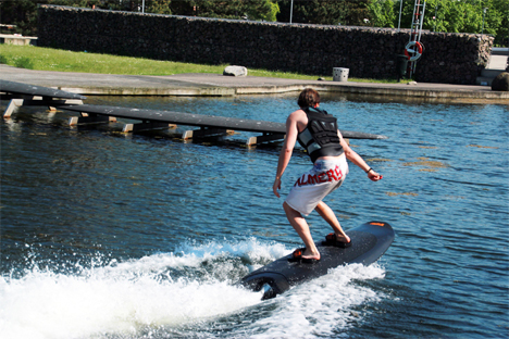 remote controlled battery powered wakeboard