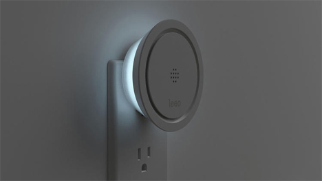 leeo smart alert home safety device and nightlight