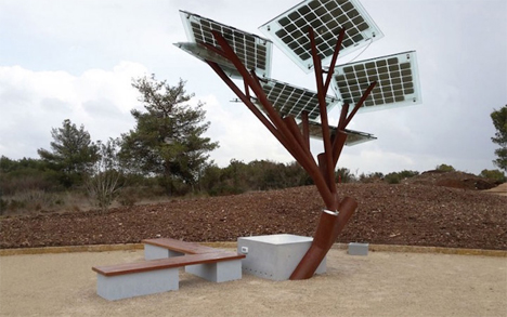 israeli outdoor solar tree usb charger