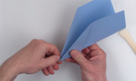 world's longest flying paper airplane