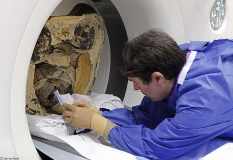 ct scan of mummy statue
