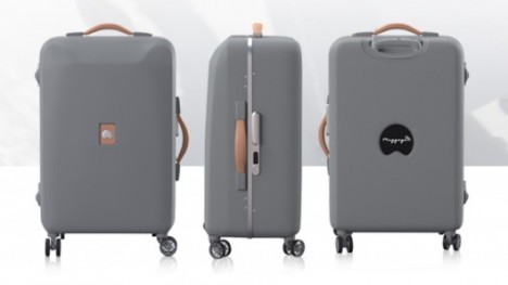 pluggage smart luggage