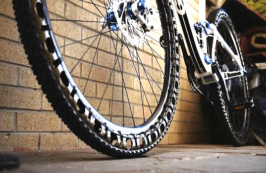 Flat Free Airless Carbon Fiber Bike Tires Use Compression