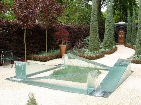 reverse fountain gravity design