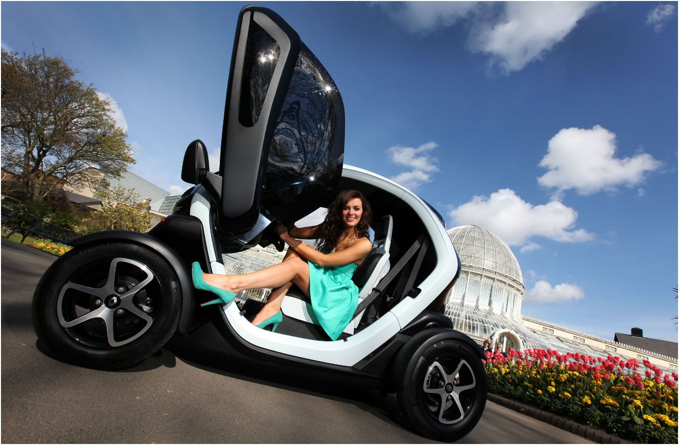 Enerdel Think Lithionpack likewise Eptender Generator X besides Renault Espace Interior First Photos likewise Twizzy Tiny Vehicle France besides . on renault twizy electric car