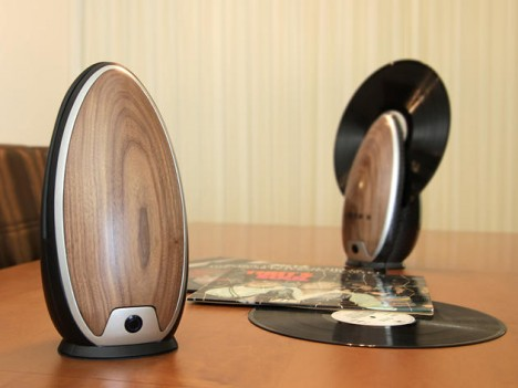 roy harpaz design modern vertical record player