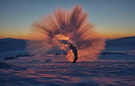 photographer freezing in midair