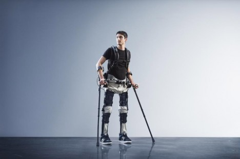 suitx demonstration walking paralyzed