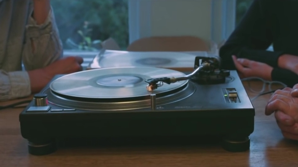 Spin Me Right Round: Company Presses Cremated Ashes into Playable Vinyl Records